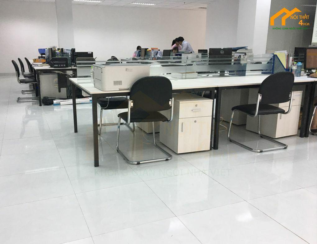 Thi công văn phòng đẹp với đồ nội thất cao cấp từ 4 Mùa